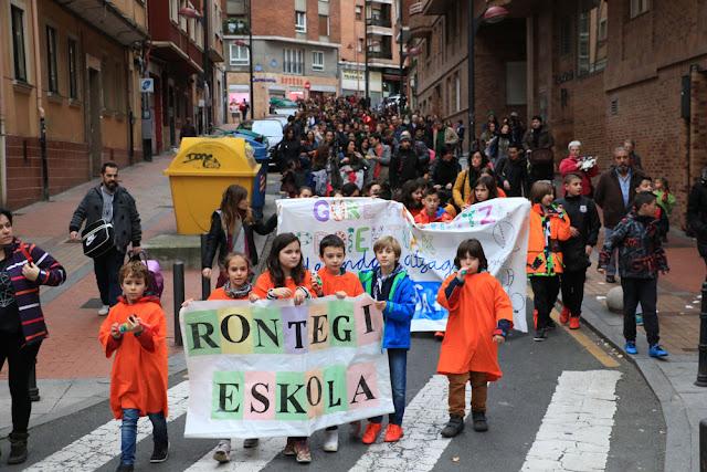 Manifestación de la comunidad educativa de Rontegi