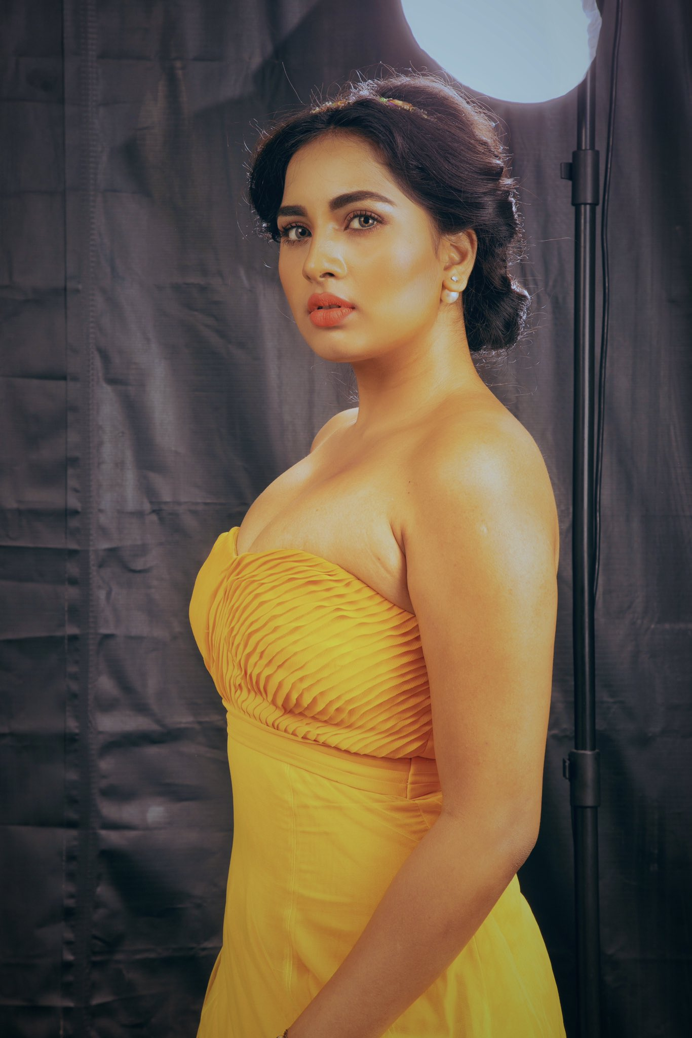 Actress Srushti Dange Latest Photoshoot, Srushti Dange 2020 photoshoot, Srushti Dange boyfriend, Srushti Dange yellow photoshoot, Srushti Dange sexy