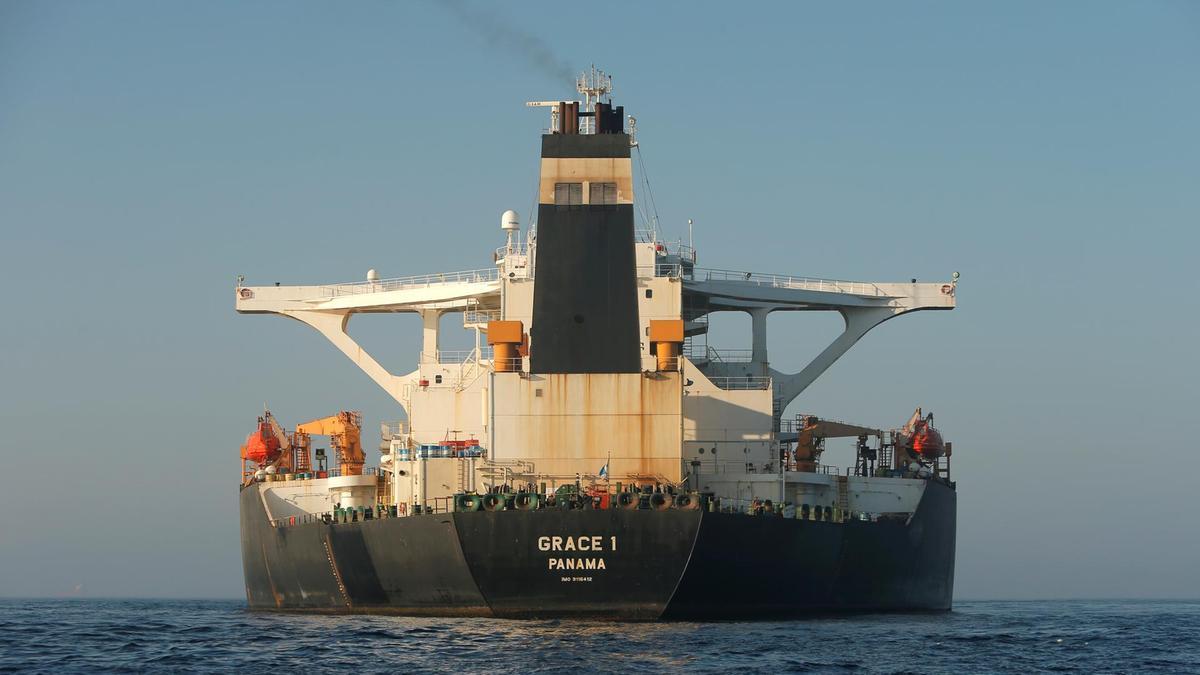 Les États-Unis émettent un mandat pour saisir le superpétrolier iranien Grace 1 alors qu'il s'apprête à appareiller