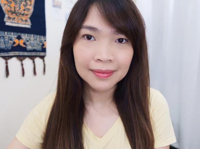 Uplifted Face makeup look.  Fresh makeup look.  Minimal Makeup look.