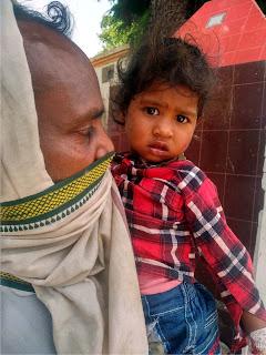 ट्रक की चपेट से ससुर-बहू की मौके पर हुई दर्दनाक मौत   #NayaSaberaNetwork