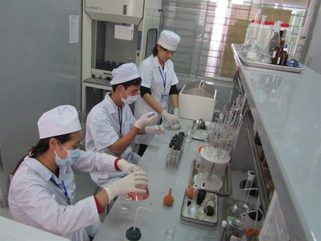Những người làm việc trong môi trường độc hại cần sử dụng thuốc bổ gan