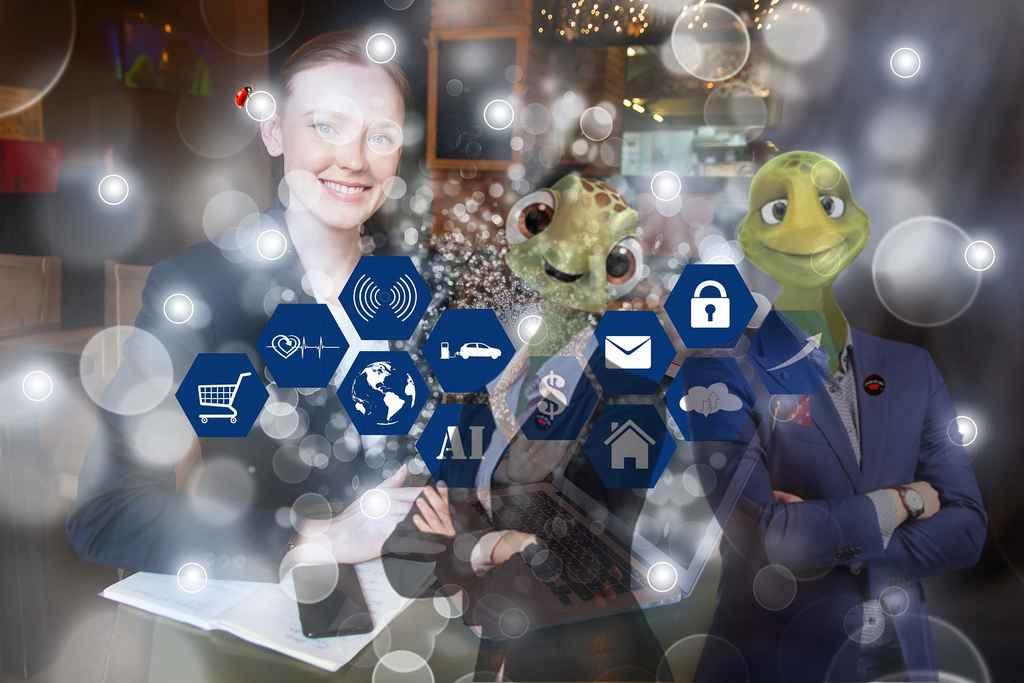 As relações de trabalho, as formas de contratação, os processos seletivos e a forma de se consumir produtos, serviços e informações mudaram de forma consubstancial a partir de 2020. E isso, consequentemente, tornou algumas funções em tecnologia muito mais valiosas do que antes.