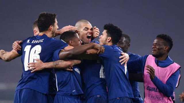 Pepe and Porto players celebrate knocking Juventus out of the Champions League