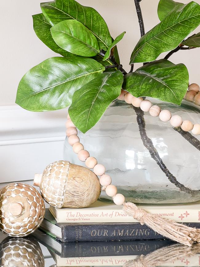 Neutral wood acorns for fall