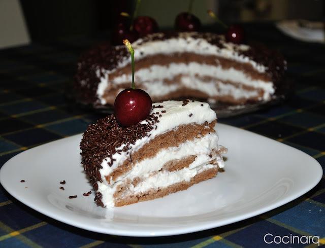 http://cocinarch.blogspot.com.es/2017/07/tarta-de-la-selva-negra.html