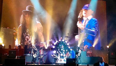 ac/dc - guns n roses - angus young - axl rose - slash