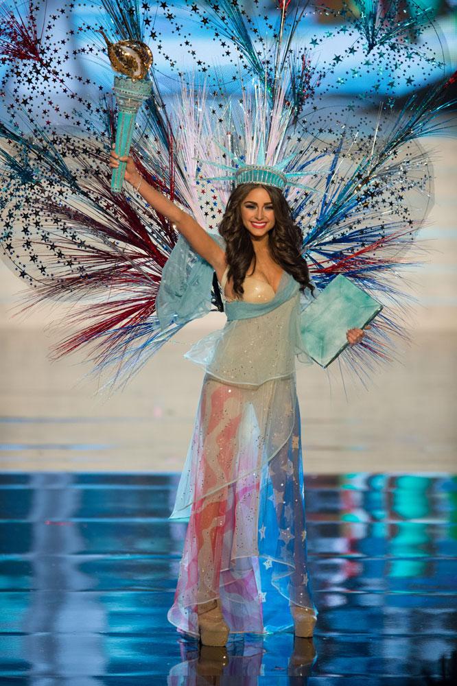 La Alfombra Rosa: Miss Tierra 2012, Inicia