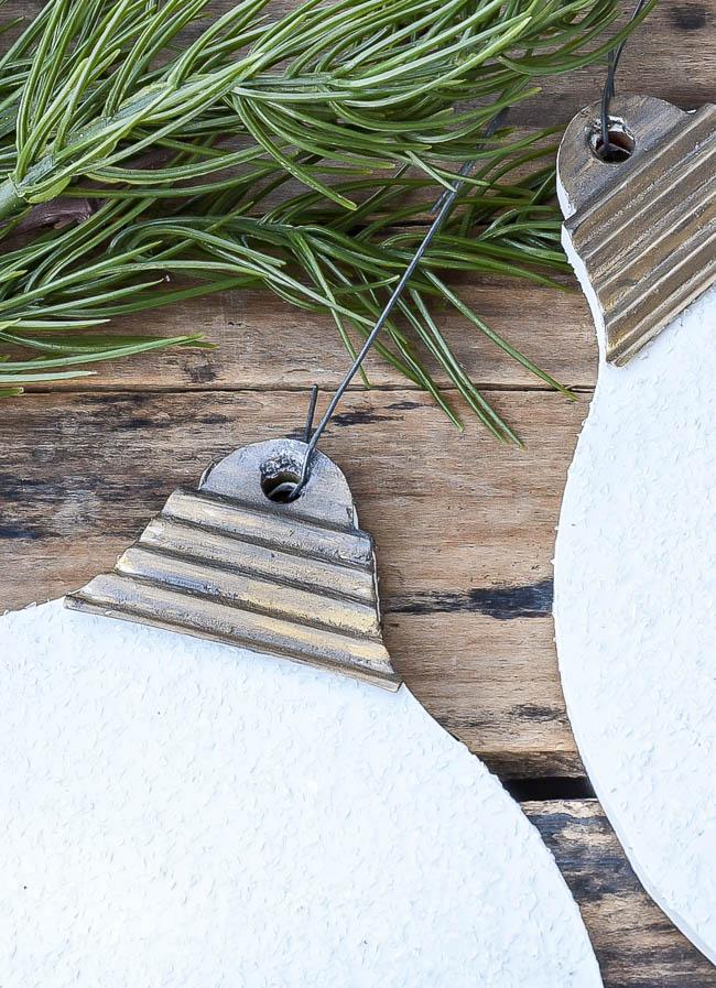 DIY Dollar Tree ornament using Diamond Dust