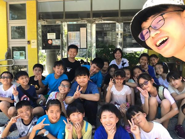 培英國小攝影營 大葉大學生帶領小學生用照片說故事