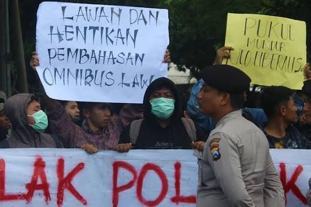 UU Ciptaker Disahkan, Aliansi Aktivis 98 Garis Lurus Ajak Masyarakat Lawan Pemerintahan Jokowi