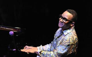 Gonzalo Rubalcaba llenó de sensibilidad y fuerza Jazz en la Costa en Almuñecar - España / stereojazz