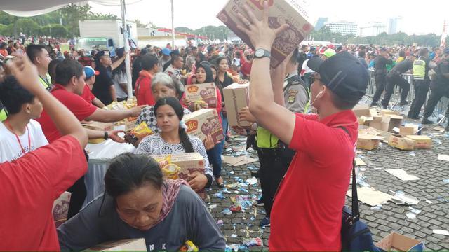 Paslon Bagi - Bagi Sembako Di Kota Cilegon - Banten, AWAS Money Politics?!