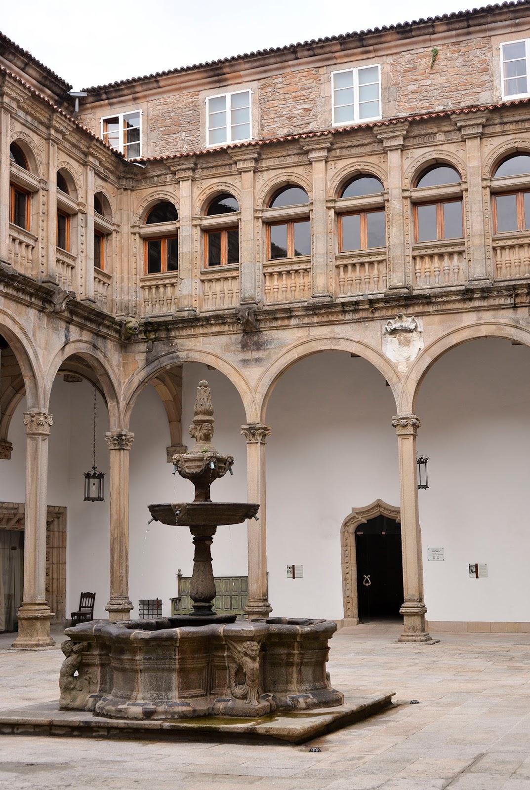 parador hotel reyes catolicos santiago compostela