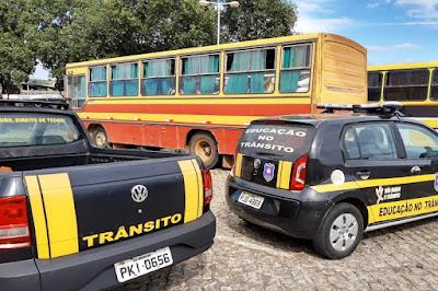 Brumado: Motorista que testou positivo para Coronavírus é flagrado transportando passageiros na feira livre
