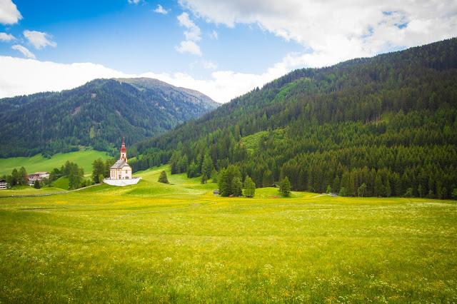 Chiesetta sulla strada verso l'Obernberger see-Tirolo