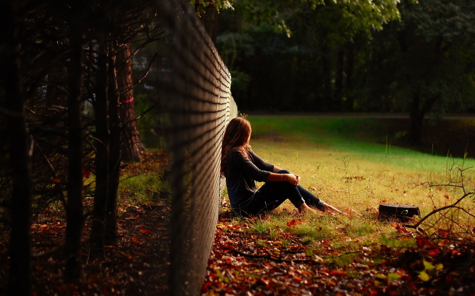 Photos Of Girl Sitting Alone