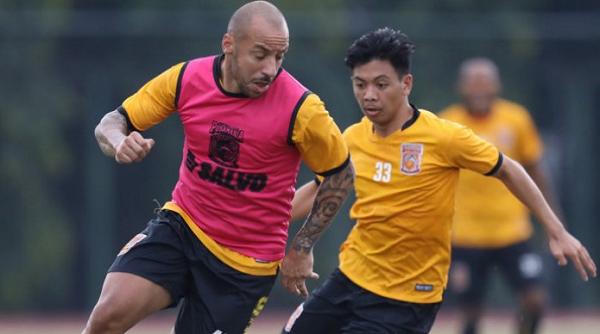 Wow! Ternyata Sosok Iwan Setiawan Jadi Salah Satu Pertimbangan Eks Real Madrid Gabung Borneo FC