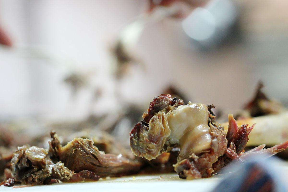 Wildschwein-Pulled Pork im Wildgrillkochkurs im Spielweg | Arthurs Tochter kocht von Astrid Paul, der Blog für food, wine, travel & love
