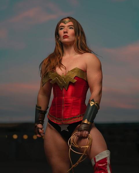 Wonder Woman cơ bắp