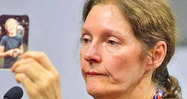 ECUADOR se niega a devolver las pertenencias de Assange; la madre de éste denuncia que continúa sin poder ser visitado en prisión