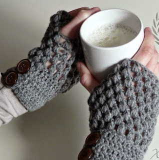 http://xuabe-xuabe.blogspot.com.es/2014/12/mitones-en-puff-stitch.html