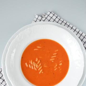 Zupa pomidorowa z suszonymi pomidorami  - Czytaj więcej »