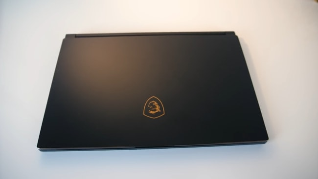 The all aluminum metal lid of the MSI GS65 Stealth-004 gaming laptop