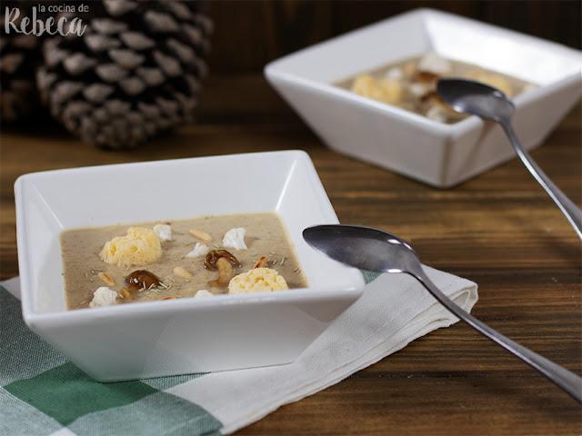 Crema de coliflor y setas asadas