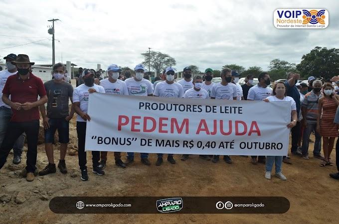 Em visita do governador ao Cariri, produtores de leite de Cabra reivindicam bônus de mais R$ 0,40