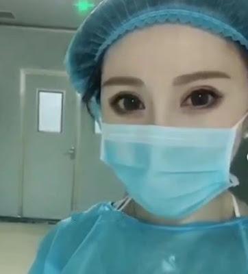 Dokter cosplayer yang berdedikasi basmi virus corona