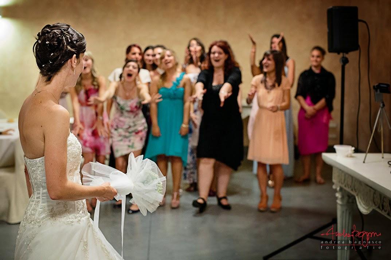 lancio del bouquet ricevimento nozze castello di Lajone Quattordio