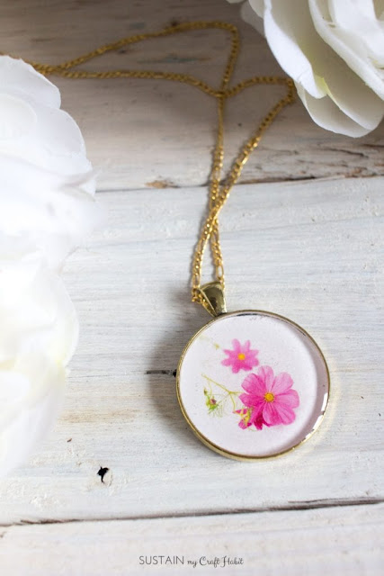 This DIY birth month flower necklace can make anyone feel special