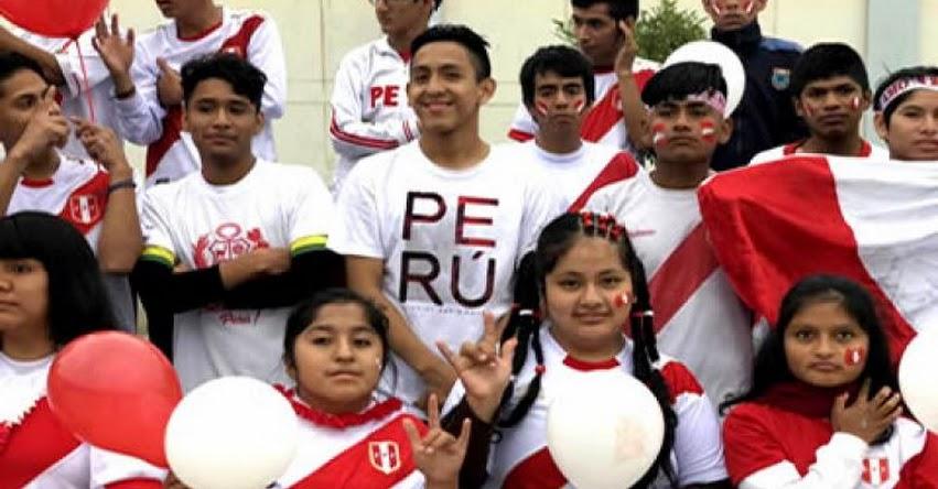 MINEDU: Estudiantes sordos interpretan el himno nacional en lengua de señas en apoyo a la selección - www.minedu.gob.pe