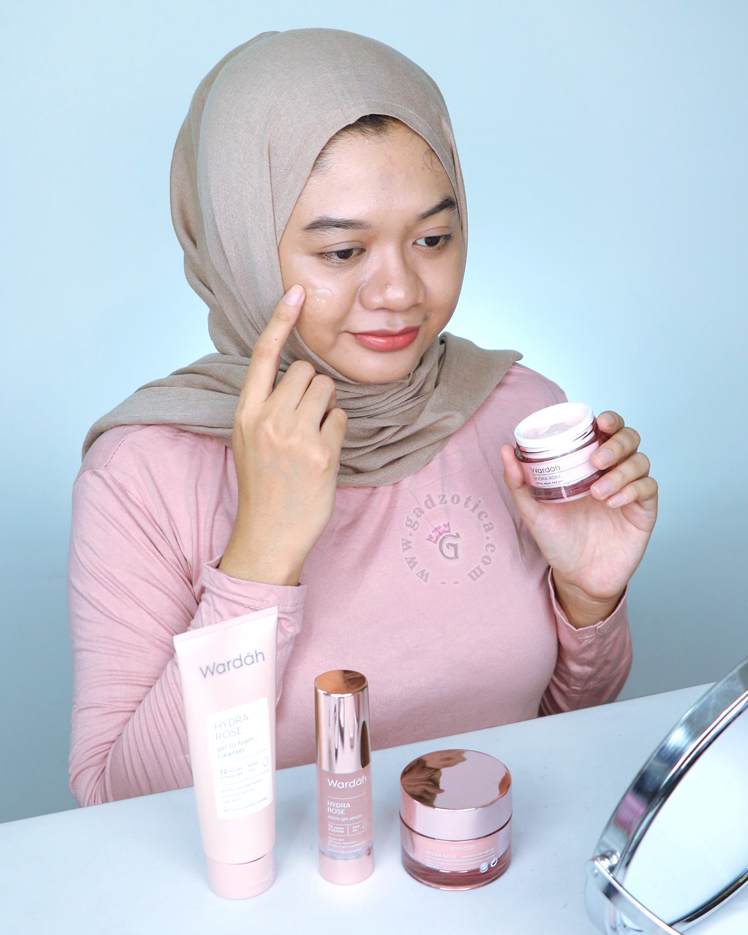 Review Wardah Hydra Rose