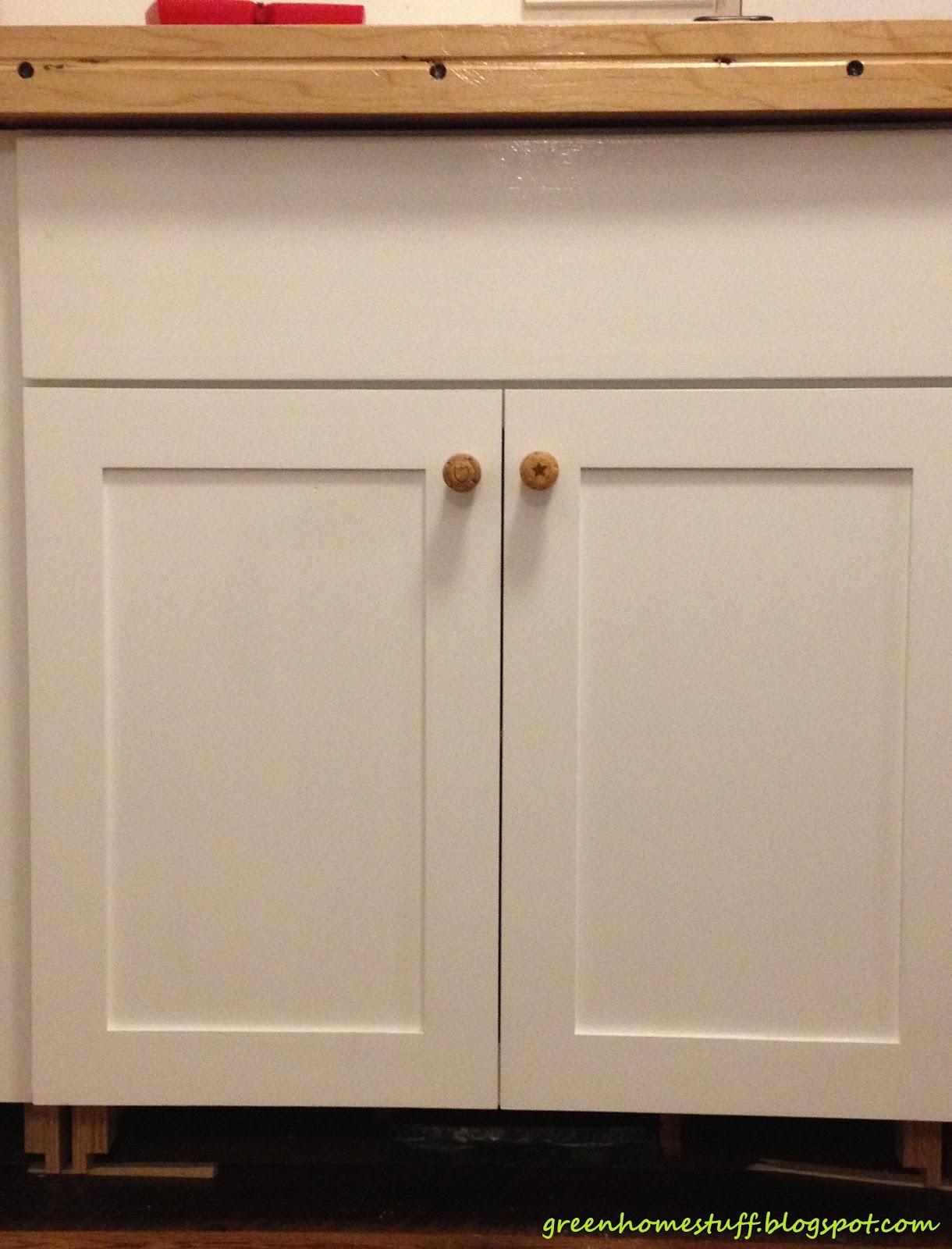 Green Home Stuff: Repurposed Champagne Cork Cabinet Knobs