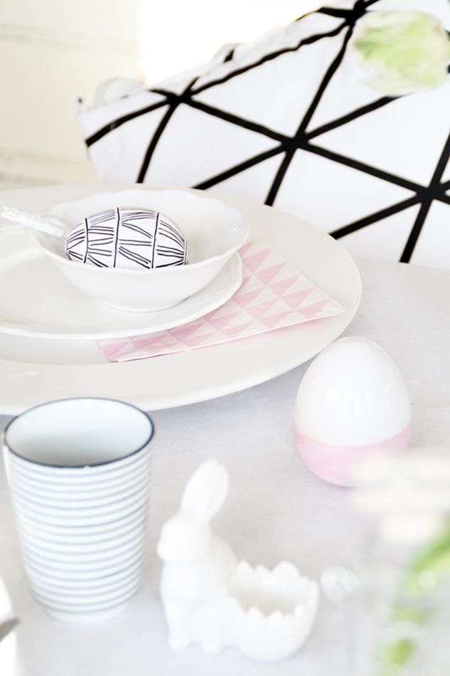 Dekoideen Ostertisch, Deko-Donnerstag mit Verlosung zum Thema Ostertisch, Frühstücksset, schwarz weiß rosa