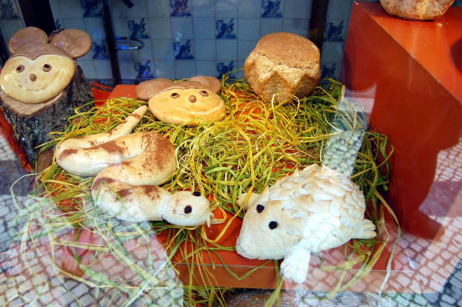 Stitch & Bear - Eat Drink Walk Petiscos Lisbon - Bread animals