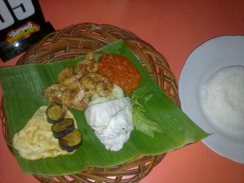 Waroeng Penyet, Tempat Makan Enak di Jogja - Udang Goreng