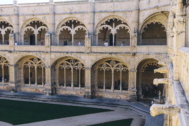 ジェロニモス修道院(Mosteiro dos Jerónimos)|回廊(Claustro)2階