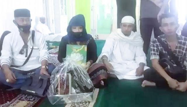 Tak Disangka, Ternyata Inilah Yang Membuat Wanita Tionghoa Ini Memeluk Agama Islam