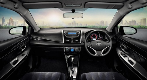 interior design review Toyota Vios 2013