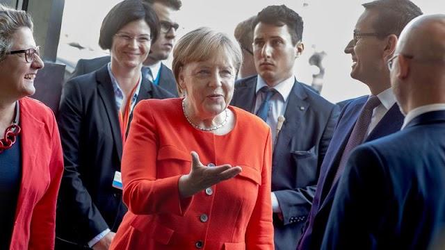 Angela Merkel 14 év után először látogatta meg az egykori haláltábort