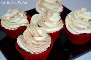 Rye pudding cup cakes with rye pudding and orange frosting