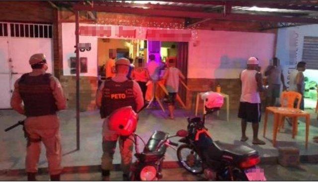 PM fecha mais um bar em Serra Talhada que estava aglomerando