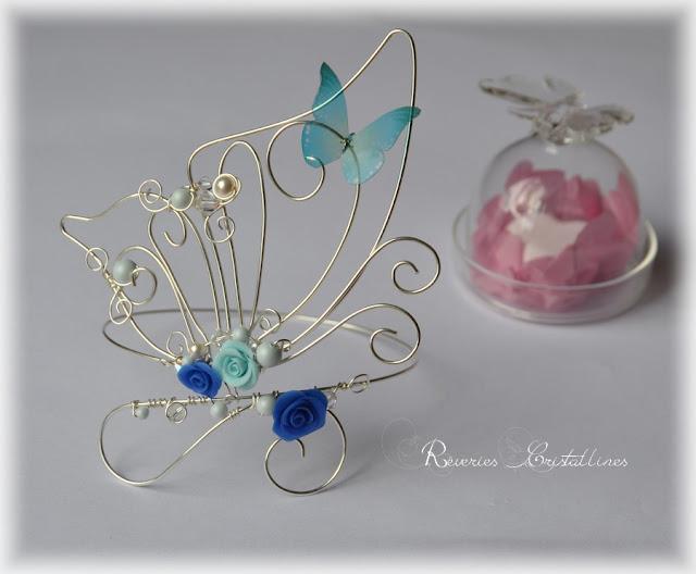 Bijou romantique papillon, roses et perles