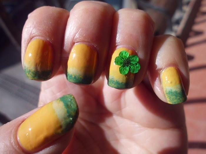manicura con degradado en verde