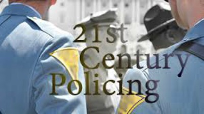 LA POLICÍA DEL SIGLO XXI ¿qué papel debe desempeñar en una sociedad diversa y democrática? @Uliman73