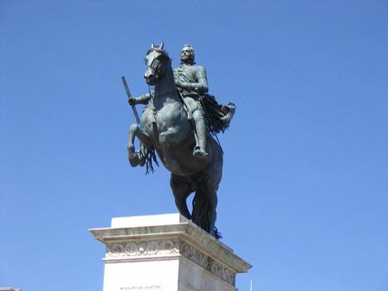 Estatua ecuestre de Felipe IV en Madrid