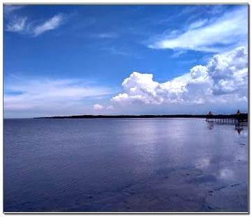 Pantai Bentar Hiu Tutul